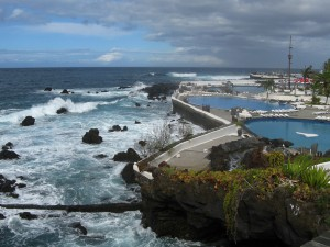 puerto-de-la-cruz-teneriffa-pools-meer-3