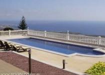 Luxusvilla mit Garten, Terrasse und Pool mit Traumblick in Adeje