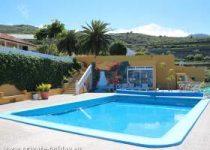 Haus in ruhiger Lage mit Pool, überdachter Außenküche & Terrasse